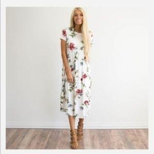 [boutique] floral boho midi dress
